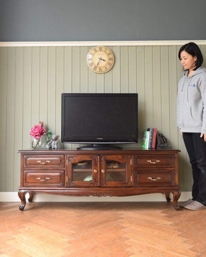 y-273-f アンティーク風テレビボードのモデル入り