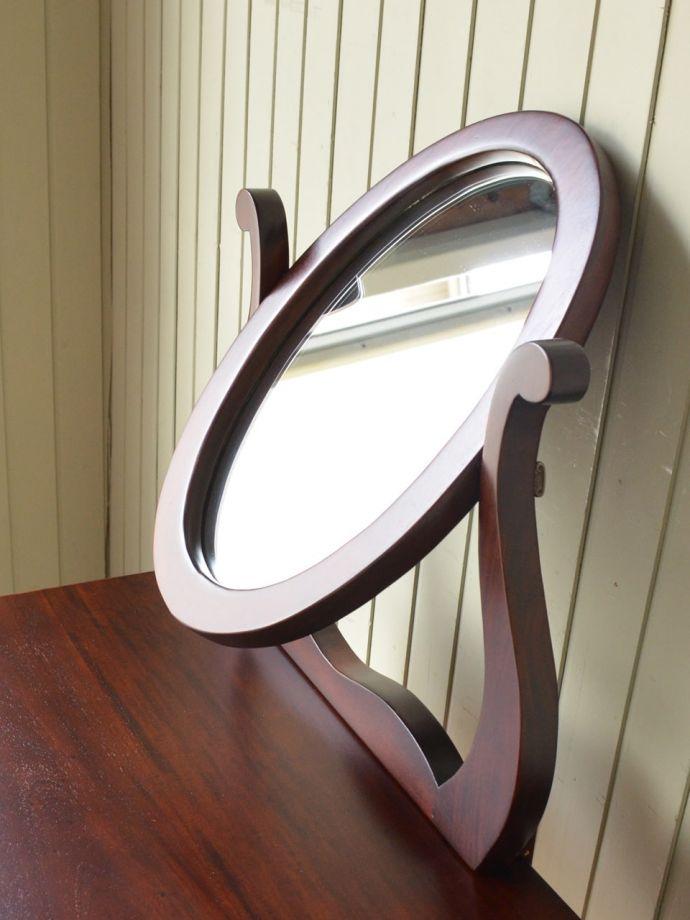 アンティーク風のおしゃれな鏡
