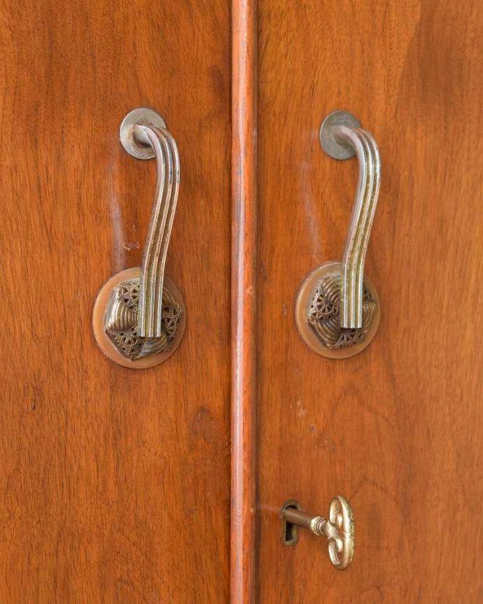 z-032-f アンティークワードローブチェストの扉の取っ手