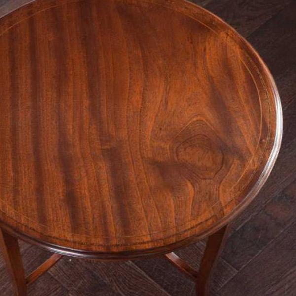 天板が丸型のテーブル