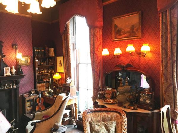 シャーロック・ホームズミュージアム、ホームズとワトソンが共有していた書斎