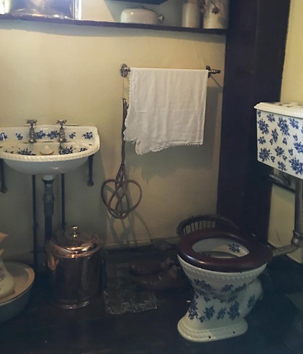 3階ハドソン夫人の部屋 トイレ