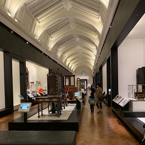 ヴィクトリア&アルバート博物館、レベル6、家具コーナー