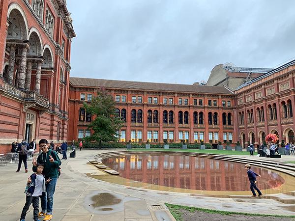 ヴィクトリア&アルバート博物館、中庭