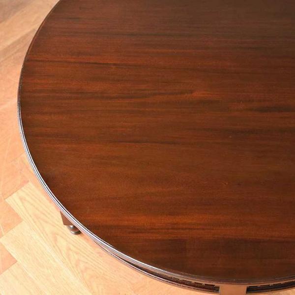「木材がすごい!上質な素材透かし彫りの家具の画像」