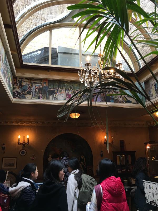 シャーロックホームズ博物館、お土産やさん