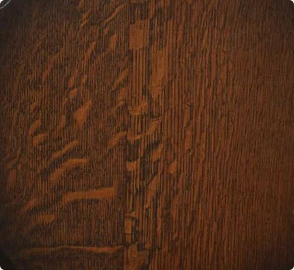 オーク材の貴重な「虎斑」