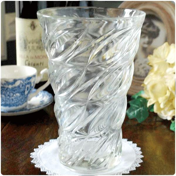 アンティークガラスのフラワーベースの選び方大きさで選ぶ01 たっぷり飾れる大きいサイズの花器