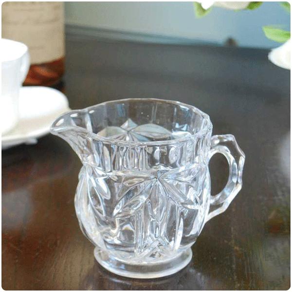 アンティークガラスのピッチャー・ジャグの選び方大きさで選ぶ03 見た目も可愛い小さいサイズ