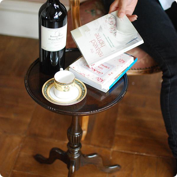 ワインを楽しむのに使われたワインテーブル