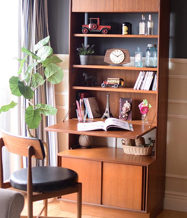 ビューローブックケースのポイント1.効率的なたっぷり収納できる家具デザイン