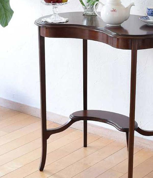 英国クラシックスタイルのテーブル