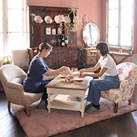 コントワール・ドゥ・ファミーユの家具と暮らす フランス風の可愛いリビング