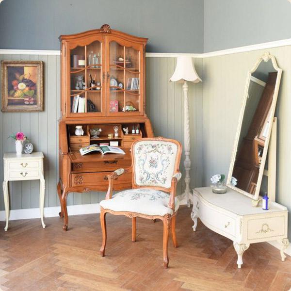 フランス家具の色
