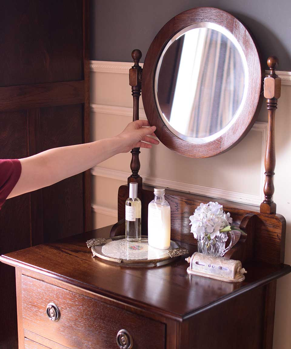 ドレッサーの鏡