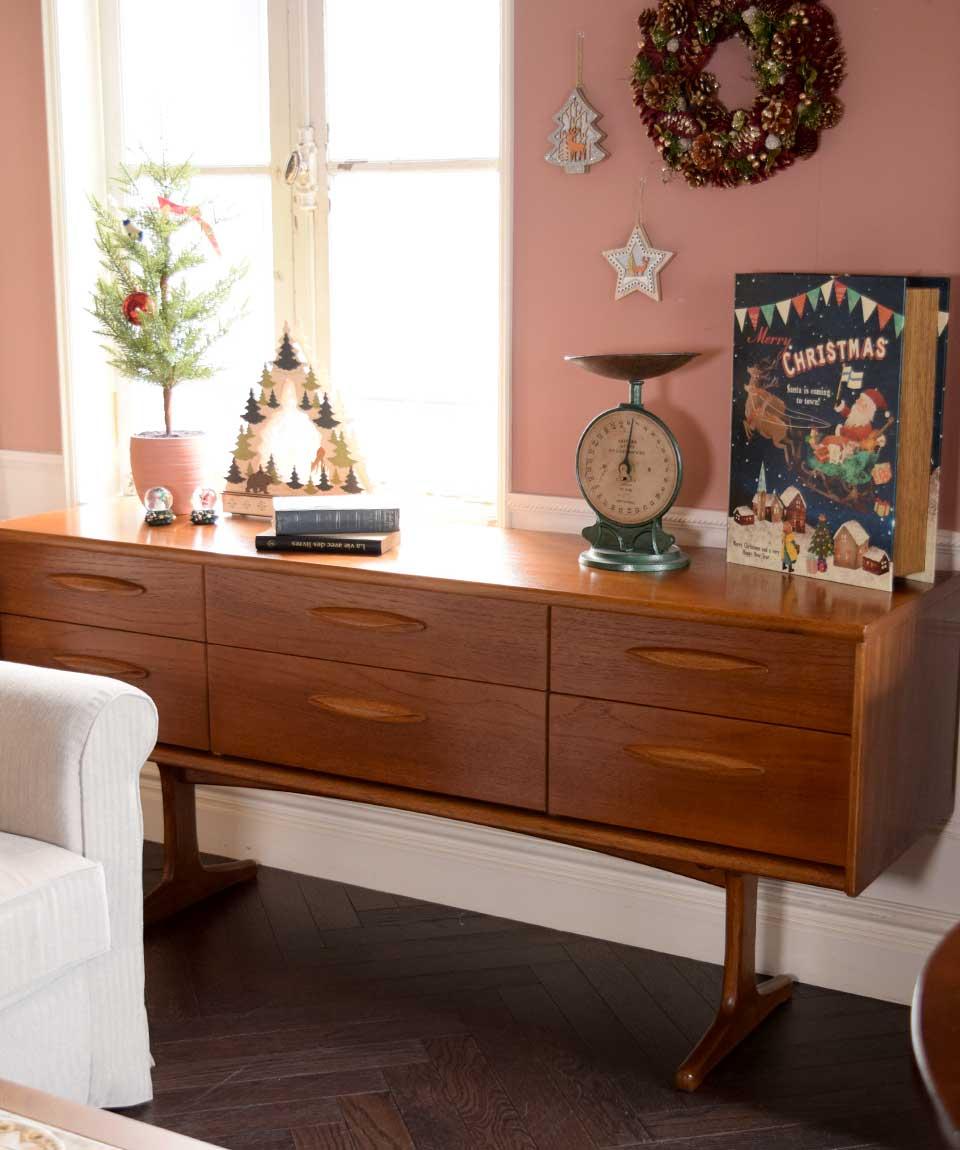 北欧家具のローチェストを使ったクリスマスのインテリア