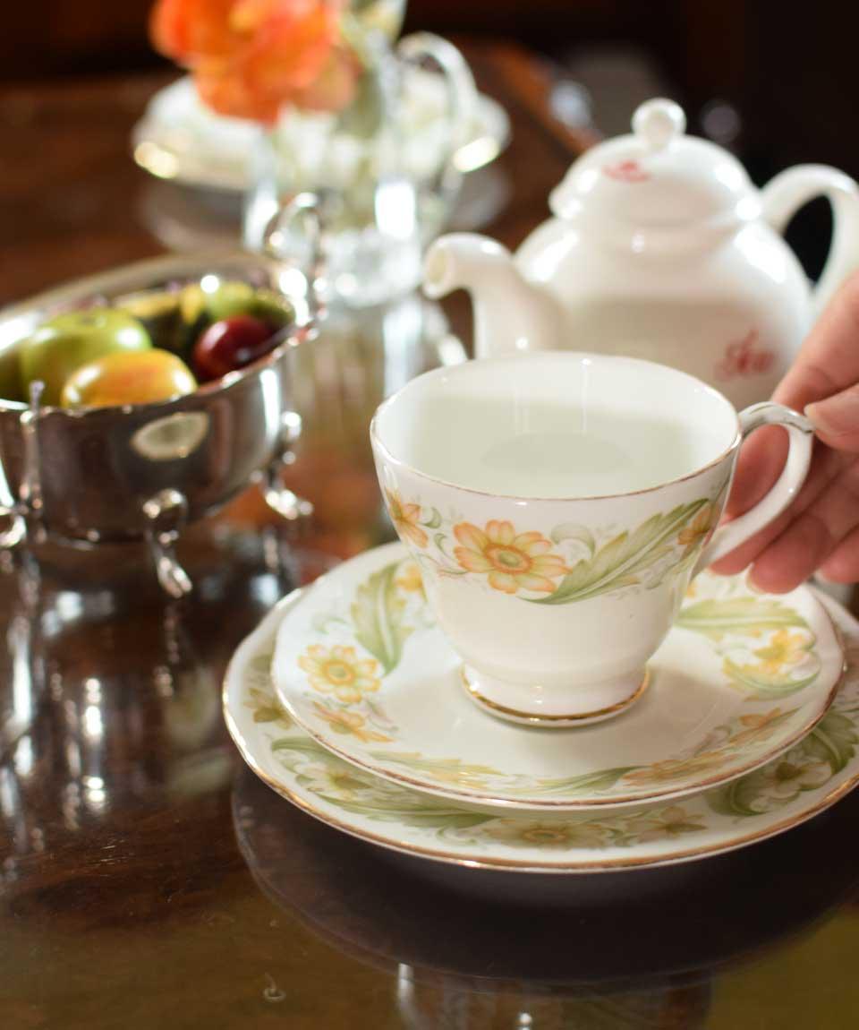 陶磁器のカップ&ソーサー