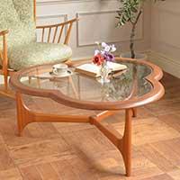 おしゃれなガラス天板のコーヒーテーブルをご紹介します!
