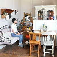 アイアンと白いペイント家具のフレンチシックなダイニング