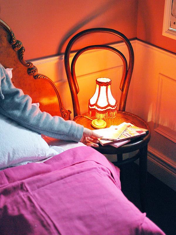 ベントウッドチェアを使った寝室