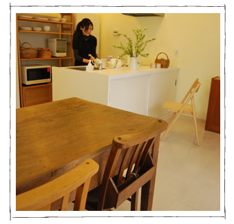 Kさまとテーブルの写真
