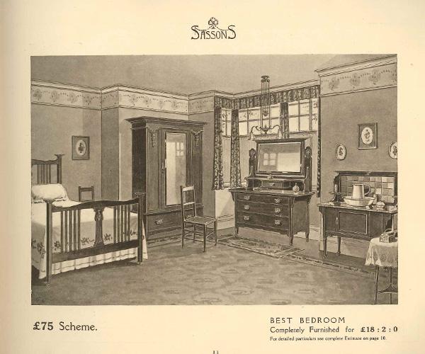 「ヴィクトリアンベッドルームで使われているドレッサー/画像3」