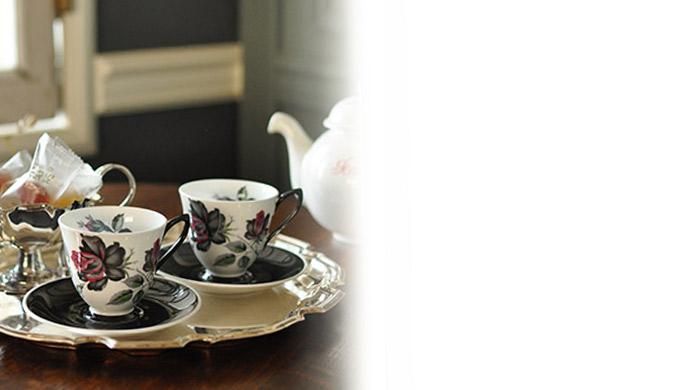 陶磁器のカップ&ソーサー(ロイヤルアルバート)