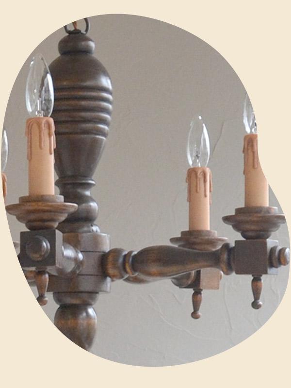 木製のシャンデリア