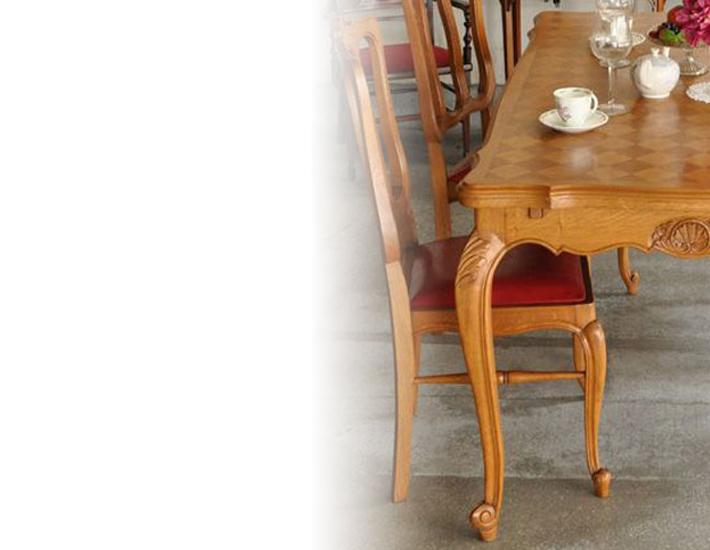 カブリオールレッグのテーブル(フレンチ)PC