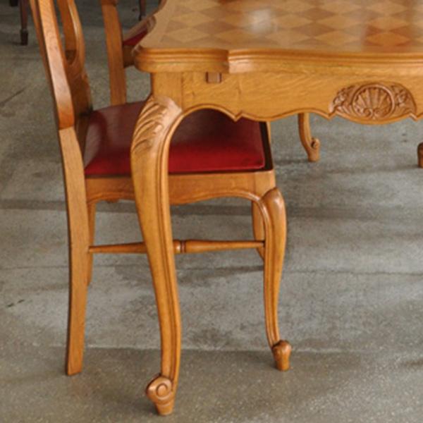 カブリオールレッグのテーブル(フレンチ)SP
