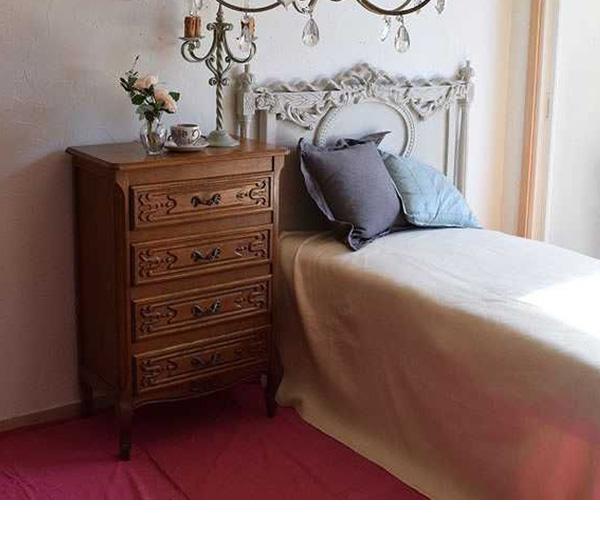 3stepでつくるカブリオールレッグのもっと優雅な世界step1寝室にチェスト