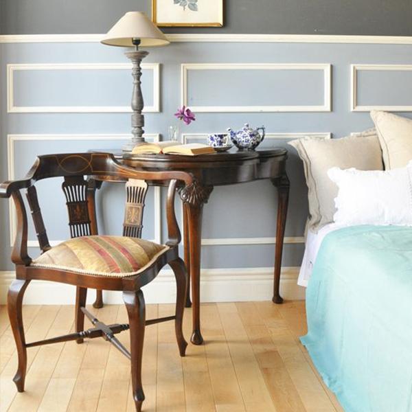 3stepでつくるカブリオールレッグのもっと優雅な世界step2寝室にチェアとコンソールテーブル