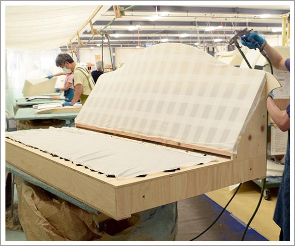 オリジナルソファの製造過程、6本体の完成