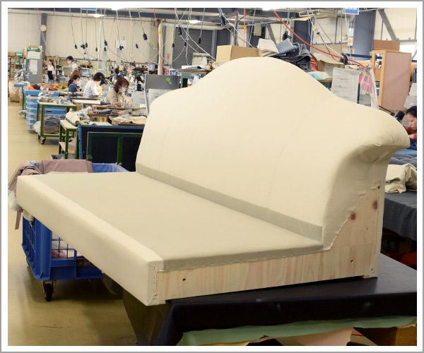 オリジナルソファの製造過程、23ヌードソファ本体の完成