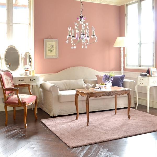 オリジナルソファマリーを使ったフレンチエレガントな寝室