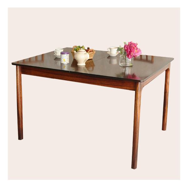 四角型天板の伸び縮みするテーブル