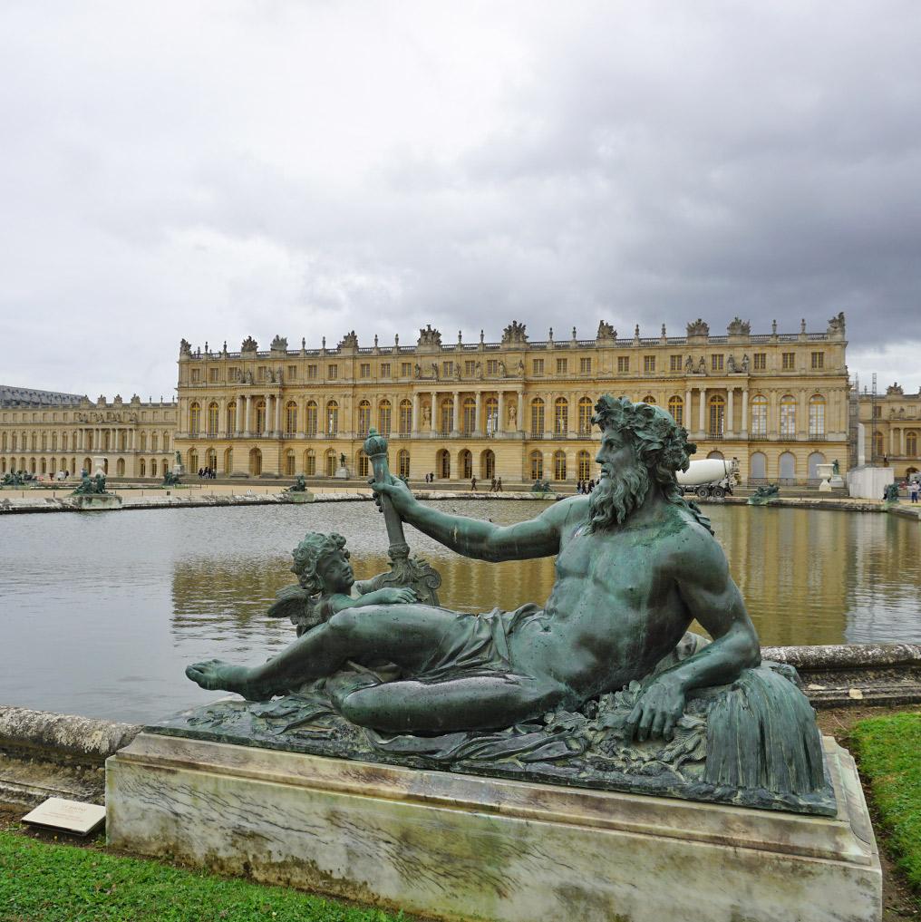 フランスヴェルサイユ宮殿、庭園、泉水