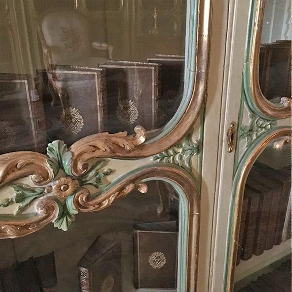 ヴェルサイユ宮殿、マダム・ヴィクトワールの図書の間、可愛い本棚の扉