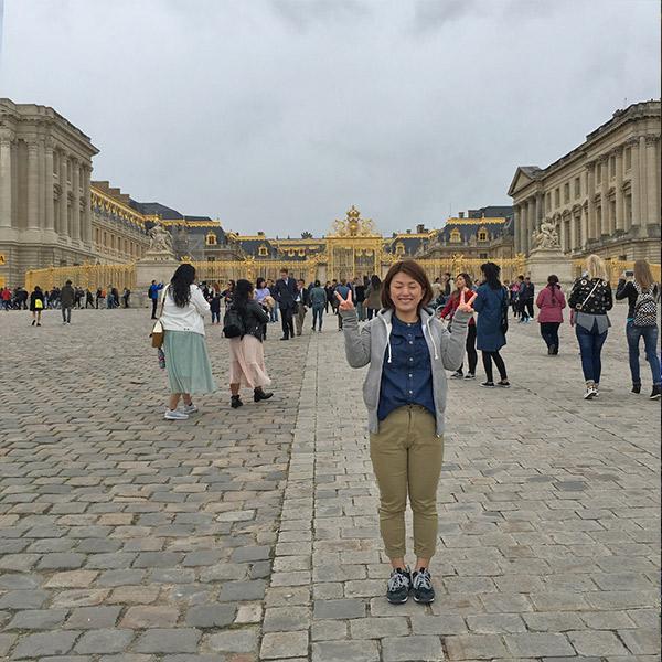 ヴェルサイユ宮殿のきらきら輝く門