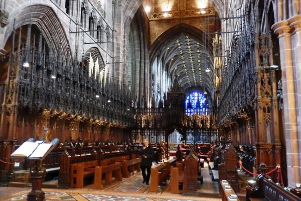 ヨーロッパ(西洋)の美しい街並みや建物、チェスター大聖堂の内観