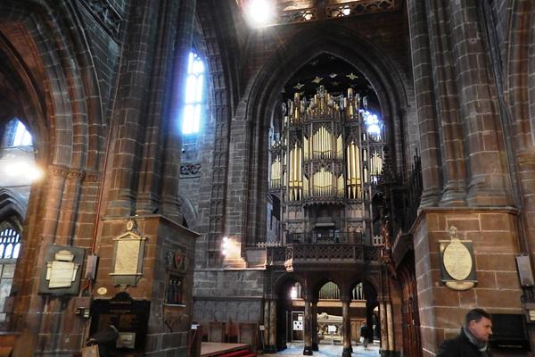 ヨーロッパ(西洋)の美しい街並みや建物、チェスター大聖堂のパイプオルガン