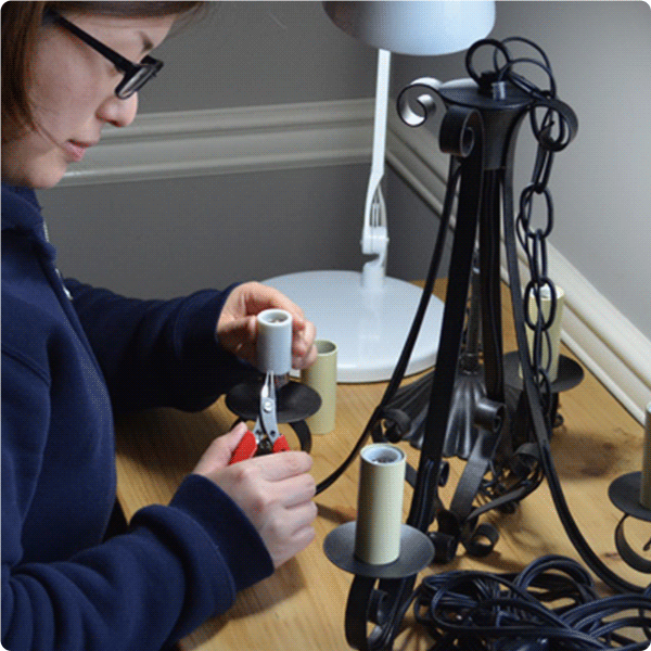 職人による日本仕様の配線加工