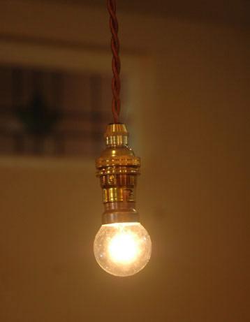 電球・オプション 照明・ライティング 電球 丸型球。小ぶりのタイプやシェードの笠が浅めのタイプにおススメです。(DM-1)