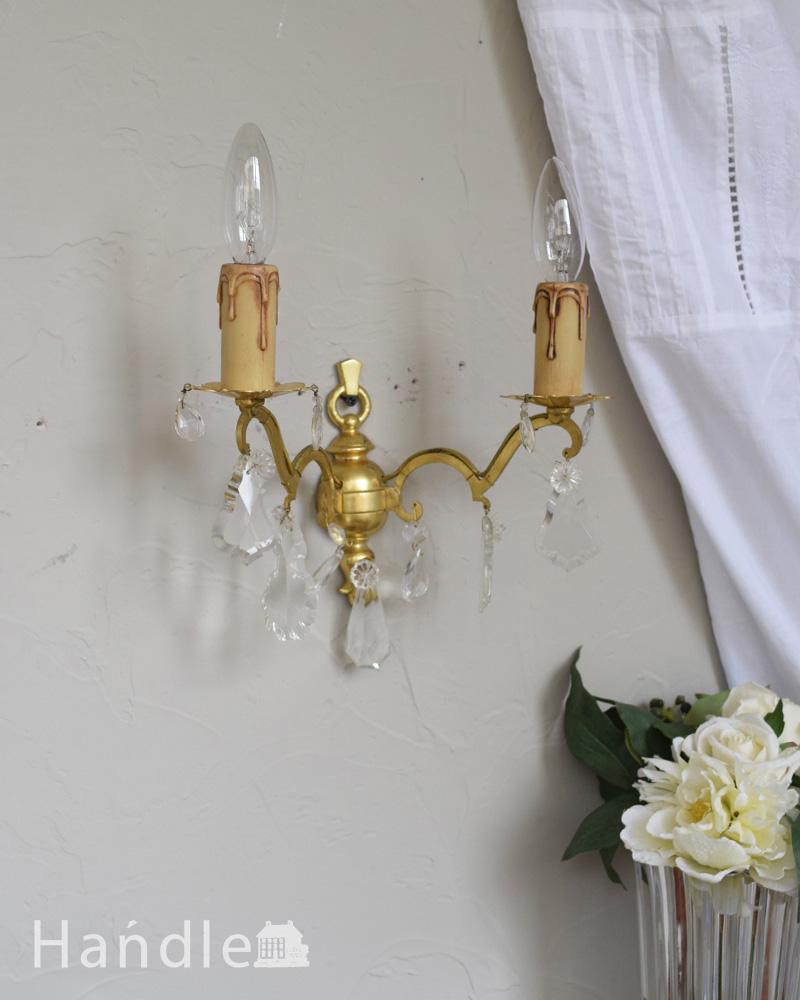 ガラスアクセサリーが輝くアンティークウォールブラケット(2灯)(E17シャンデリア球付)  (d-1005-z)