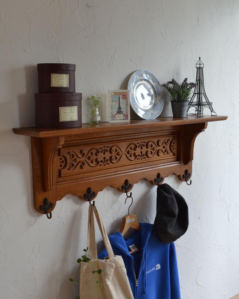 フランスアンティークの壁付け家具、華やかな装飾が美しいウォールハンガー(壁