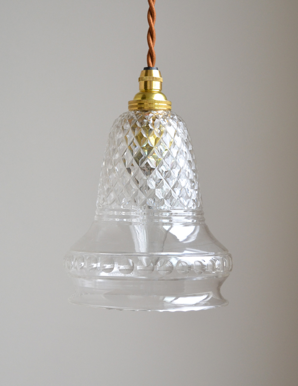 形も模様も美しいガラスシェード、アンティークのペンダントライト(コード・シャンデリア球・ギャラリーなし) (k-1740-z)