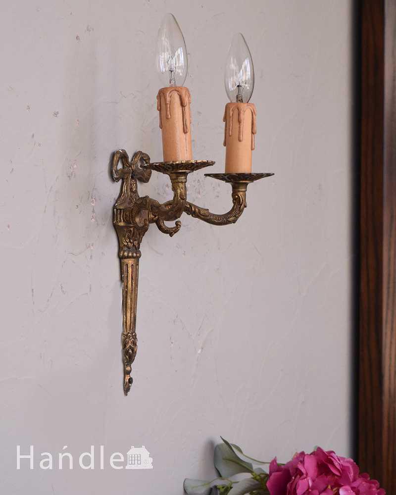 リボンの装飾が付いた、アンティークのウォールブラケット(2灯)(E17シャンデリア球付) (k-2081-z)