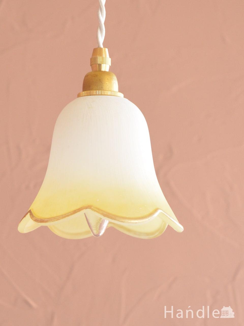 イエローのお花の形が可愛いガラスのペンダントライトセット(イエロー)(コード付き・E17シャンデリア球・ギャラリーなし) (pl-306)