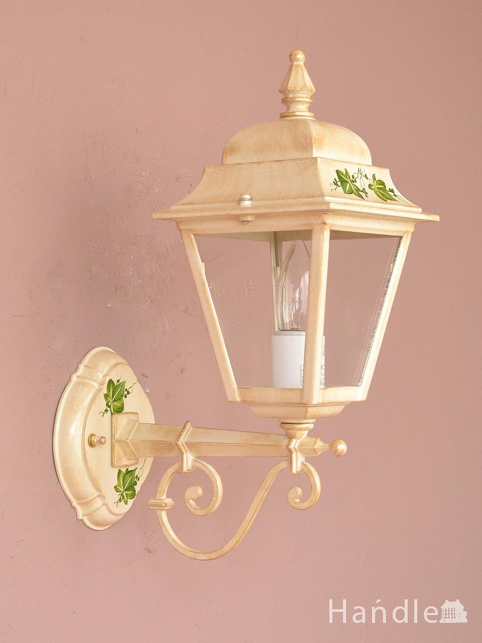 アンティーク調のおしゃれな外灯、葉っぱの模様が可愛いイタリアから届いたエクステリアランプ(電球なし) (wr-122)