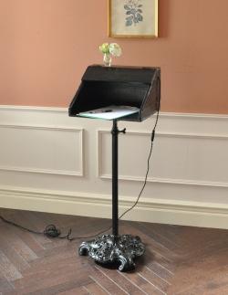 1e43a718573a イギリスの珍しいアンティーク家具、ブラックペイントのレセプションスタンド(E17シャンデリア球付き